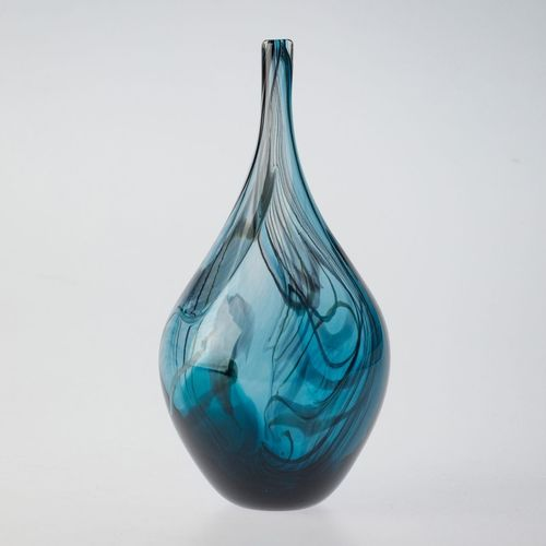 Feather_vase_steel_blue_turq4-show_image